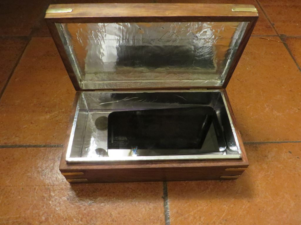 Build your own stylish signal blocking smartphone box in ten minutes